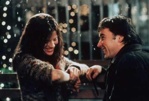Esse foi o xaveco campeão do filme. Reze para um dia você se encontrar com uma menina com sardas no braço em forma de W e daí já era.